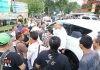 Cagub Jateng nomor 1 Ganjar Pranowo dicegat massa pengendara motor di Kajen, Jumat (2/3/2018)