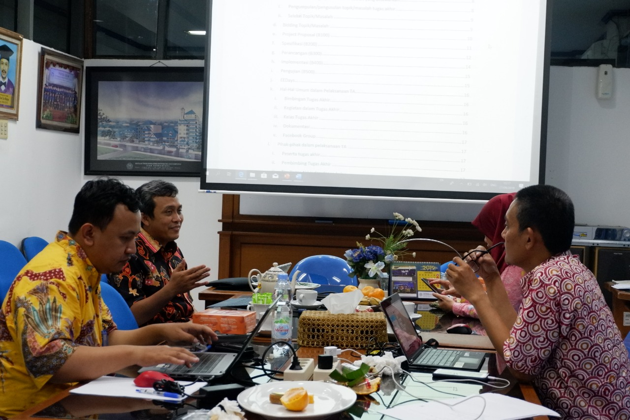 Teknik Elektro Udinus Siap Terapkan Capstone Design Bersama Itb Zonapasar Com